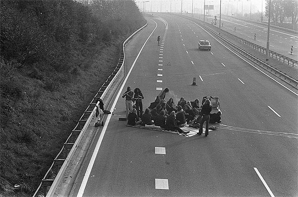 Picnic on a motorway