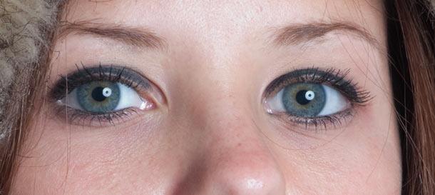 Retouching eyes